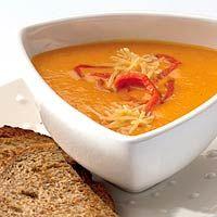 Recept - Romige paprika-pompoensoep - Allerhande Ook lekker met wat verse peterselie....en bij het opdienen van de soep een lepel griekse yoghurt is ook erg lekker !!