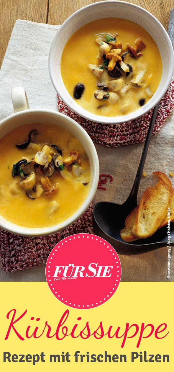 Unser leckeres Rezept für Kürbissuppe mit Pilzen. In der kühleren Jahreszeit ein super Gericht und eine fantastische Kombination.