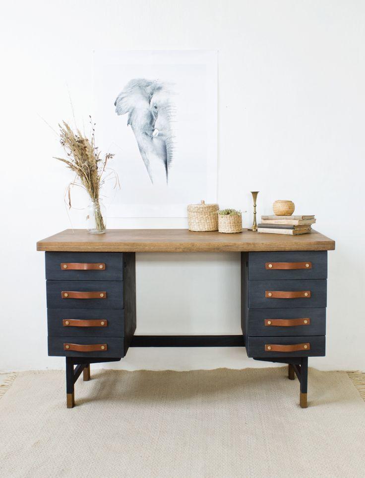 asztal átalakítás tejfestékkel- desk makeover with Old Fashioned Milk Paint   -  by renovatúra