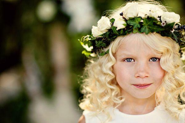 .: Flowers Girls Hair, Wedding Hair, Flowers Girls Wreaths, Girls Generation, Green Accent, Flowers Crowns, Little Flowers, Floral Crowns, Events Plans