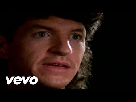 REO Speedwagon's official music video for 'Can't Fight This Feeling'. Click to listen to REO Speedwagon on Spotify: http://smarturl.it/REOspot?IQid=REOCFTF A...