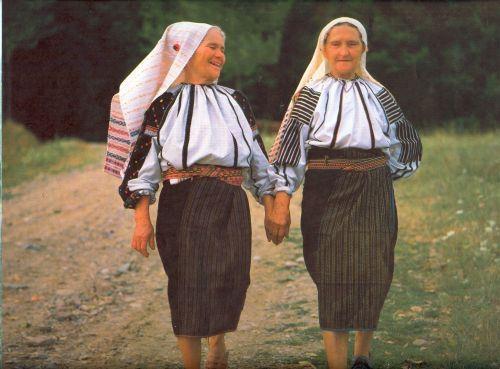 Moldvai csángók - girlfriends <3