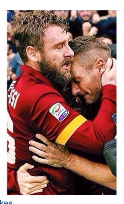 De Rossi embracing Totti after #Roma2Lazio2 #SerieA #2014/2015