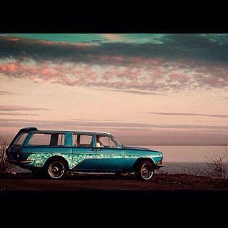 GAZ 24 Volga estate Легендарный вагон, с которым только приятные воспоминания, а ведь 10 лет прошло с момента как он выехал из мастерской.