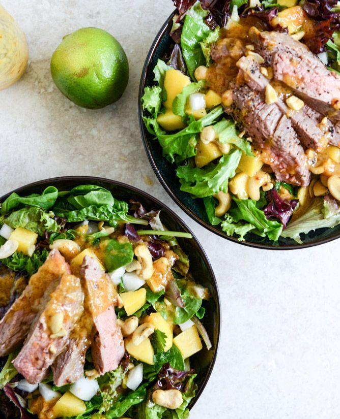 thai steak salad with roasted chili mango vinaigrette - howsweeteats.com