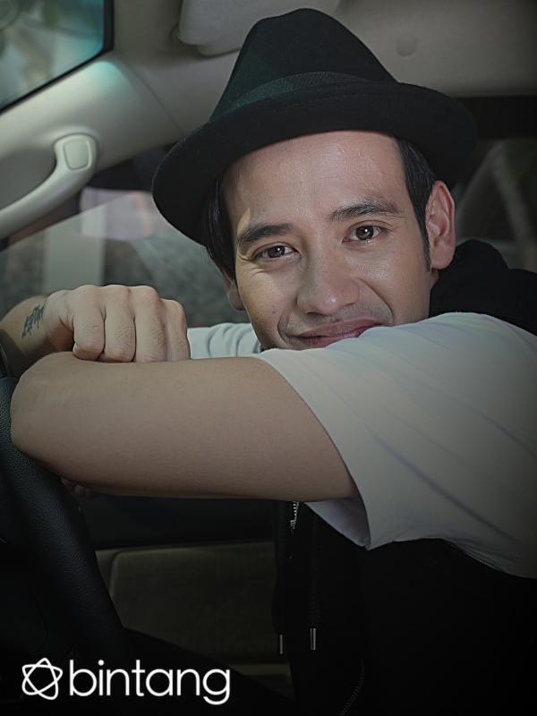 Jika bicara tentang Tarra Budiman, semua orang pasti akan menghubung-hubungkannya dengan Olga Syahputra. Akan tetapi baru-baru ini Tarra Budiman membuat keputusan yang mengejutkan. Pasalnya komedian kelahiran 22 September 1986 ini memutuskan untuk keluar dari CMI management, yang sudah membesarkan namanya. Simak liputan EKSKLUSIF selengkapnya hanya di Bintang.com! #TarraBudiman #Entertainer #EKSKLUSIF #Bintang #Indonesia