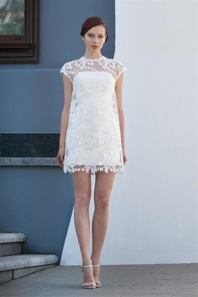 Платье сверху кружевной