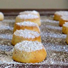 Les Polvorones sont de petites pâtisseries d'origine espagnole que l'on trouvera également aux Philippines et dans le sud du Texas.