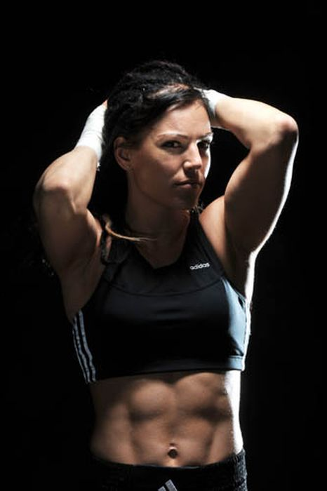 Female boxer Eva Wahlstrom (19-0-1) #fitness #boxing