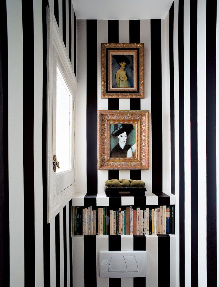 B/W stripe wall!