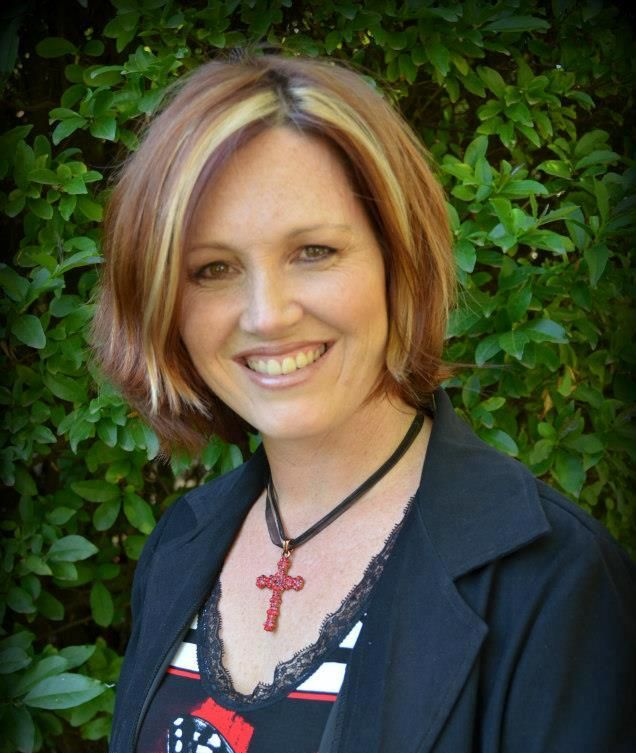 Heart Treasure - Michelle du Toit helps organise the Beauty for Ashes conferences every year and runs Cedars, a women's mentoring ministry. She has the Bible teacher's gift of being able to open up the treasures of the scriptures. You will enjoy her devotionals. http://hearttreasure.net/
