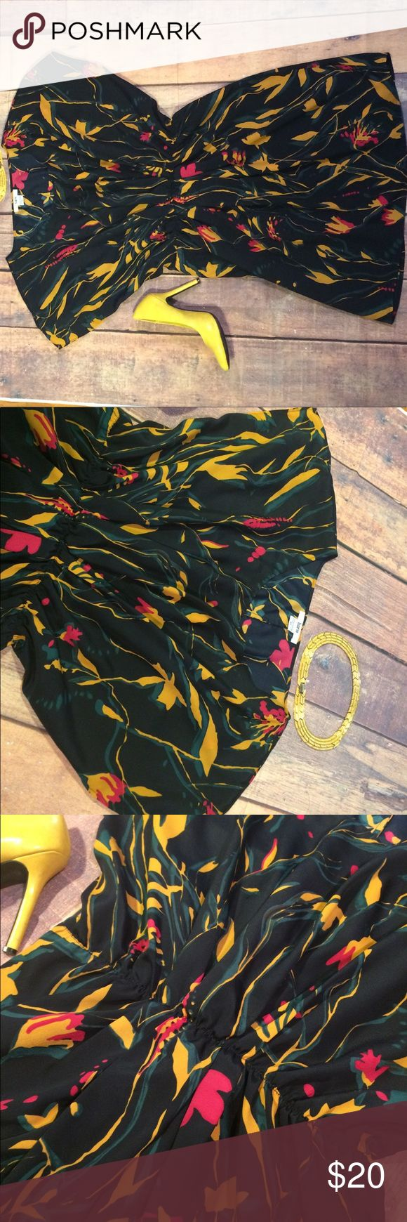 Bar III size XS Tropical Butterfly Arm Dress Bar III in excellent preowned condition. The dress is cinched at the waist and has wide arms that connect at the waist. Bar III Dresses
