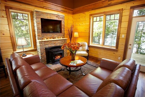 Colonial Concepts Log and Timberframe - White Water living room