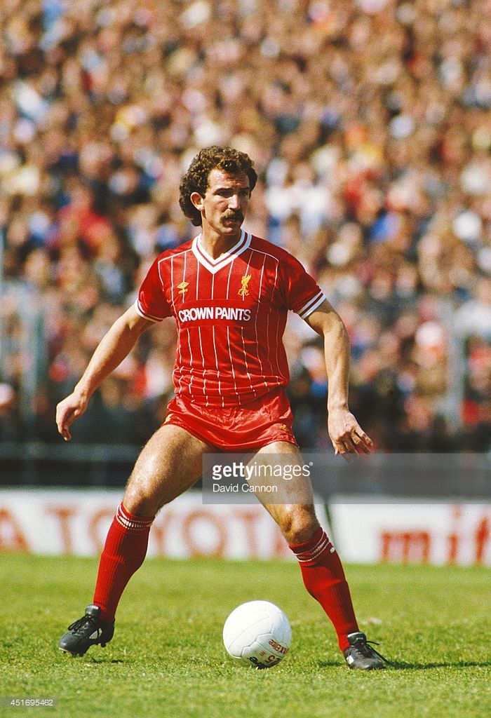 Liverpool player Graeme Souness on the ball during a League Division One match between Notts County and Liverpool at Meadow Lane on May 12, 1984 in Nottingham, England.