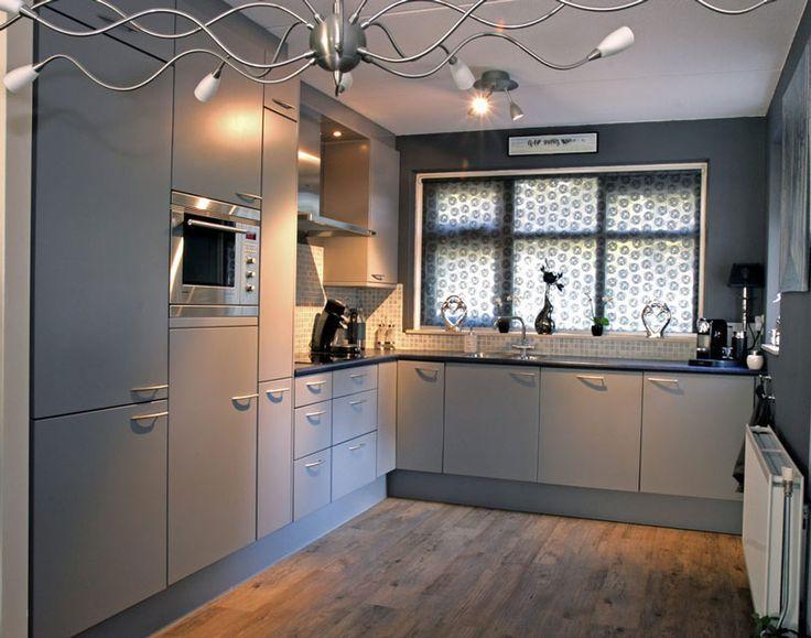 25 beste idee n over grijze keukenkastjes op pinterest grijze kasten grijze keukens en grijs - Keuken grijs en blauw ...