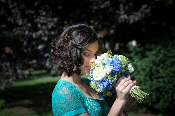 Blue hydrangea wedding bouquet. Photo credit: http://www.pinterest.com/tzutzu75/