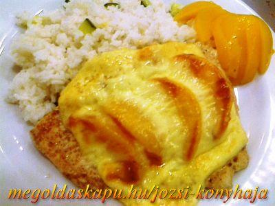 Őszibarackos-sajtos csirkemell http://megoldaskapu.hu/csirkemell-receptek/oszibarackos-sajtos-csirkemell . 4 db csirkemell filé . 2 db őszibarack /friss vagy befőtt/ . 4 szelet trappista sajt . szárnyas fűszer . só . étolaj