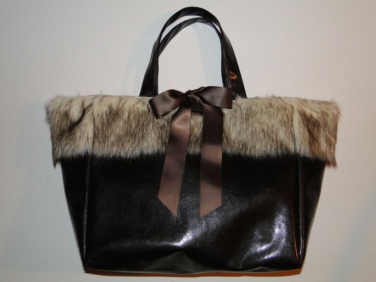 Grand sac cabas chocolat en simili cuir et fausse fourrure