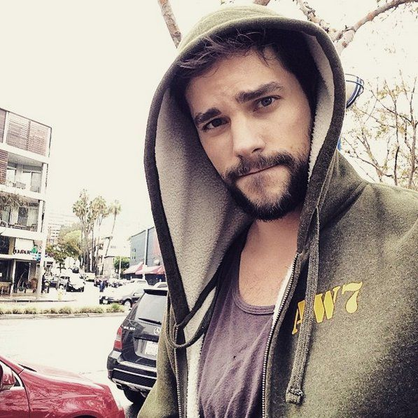 Pin for Later: 85 Photos Qui Vont Vous Faire Tomber Sous le Charme des Acteurs de Pretty Little Liars Brant Daugherty