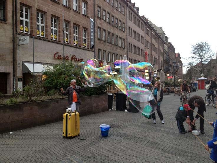 amazing soap bubble, riesige Seifenblase