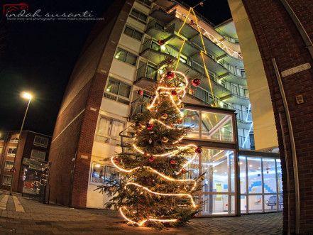 Christmas Twinkle #Rotterdam #nightphotography #christmastime #ShareHappiness