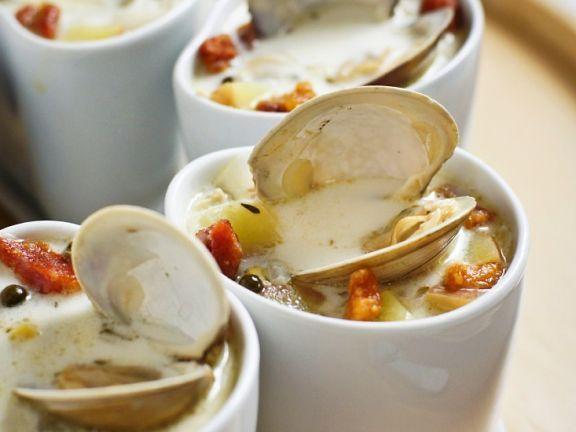 Cremige Kartoffel-Muschelsuppe ist ein Rezept mit frischen Zutaten aus der Kategorie Muscheln. Probieren Sie dieses und weitere Rezepte von EAT SMARTER!