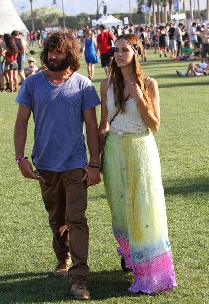 Festival Fashion Inspiration: Isabel Lucas - get style ideas for Glastonbury! http://www.carina100.co.uk/2011/04/festival-fashion-from-coachella-isabel.html