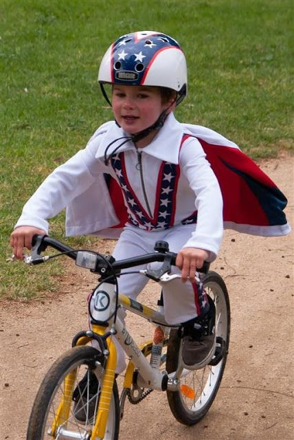 Bartacks and Singletrack: Missed By That Much. This is not so much a ByK Review but as its part of the 'main attraction' and obviously a vehicle of choice for such a cool bike riding mum and kid, then we have to think it is!
