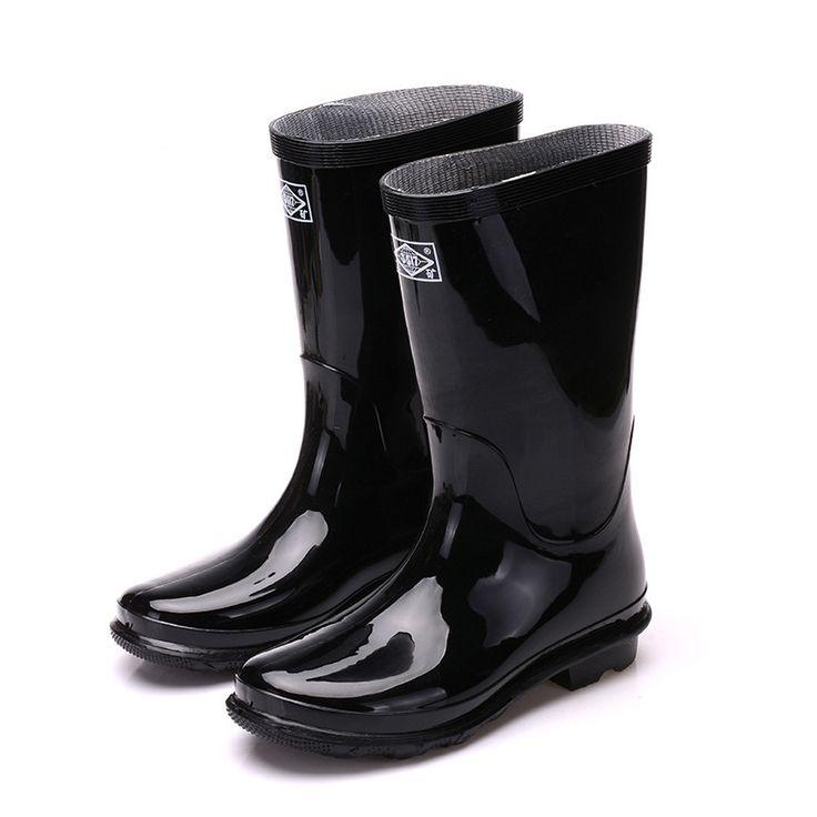 $20.69 (Buy here: https://alitems.com/g/1e8d114494ebda23ff8b16525dc3e8/?i=5&ulp=https%3A%2F%2Fwww.aliexpress.com%2Fitem%2FHot-2016-New-Fashion-Men-Rain-Shoes-Casual-Mens-Rubber-Rain-Boots-Black-Knee-High-Boots%2F32722135646.html ) Hot! 2016 New Fashion Men Rain Shoes Casual Mens Rubber Rain Boots Black Knee High Boots Large size Waterproof Rainboots O1328 for just $20.69