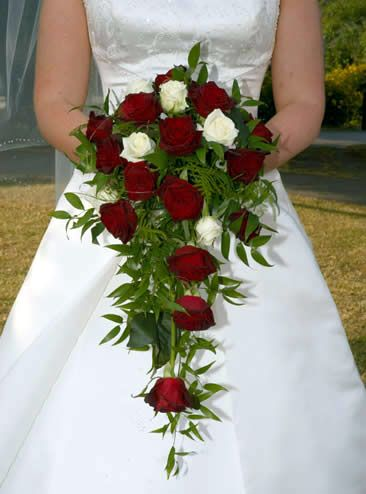 Image from http://www.homeflowers.us/wp-content/uploads/2014/04/Wedding-Bouquet-wedding-bouquets-bouquets-for-wedding.jpg.