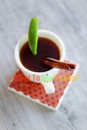 BANDREK / INDONESIAN WARM SPICED DRINK. Bandrek is a very popular warm beverage in Indonesia, especially in North Sumatra, made of spices like cinnamon, cloves and ginger. The beverage is also flavored with lemongrass and sweetened with gula jawa (Indonesian palm sugar).
