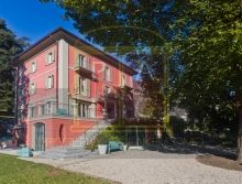 Property at Lake Como is a real estate name that brings holiday homes and cottages to rent Lake Como for vacationers. It also lists some of the best hotel and restaurant names in the Como vicinity.