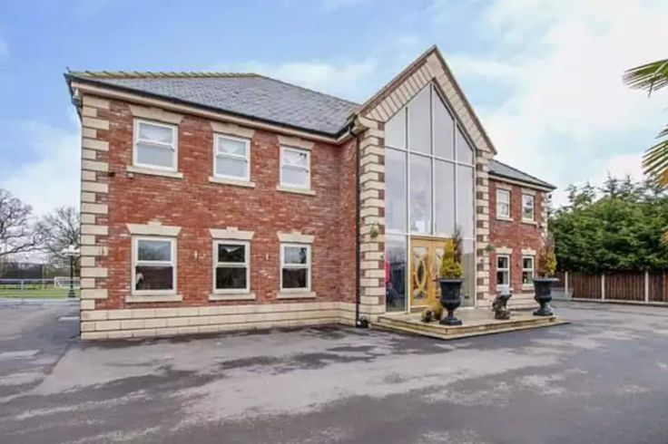 Article Via iNews: Why this £650k house is the most popular property in Britain    Doncastermoneyman.com Offer Mortgage Advice in Doncaster & Surrounding Areas    Article Link Here: https://inews.co.uk/inews-lifestyle/homes-and-gardens/why-this-650k-house-is-the-most-popular-property-in-britain/    #MortgageAdvice #Doncaster
