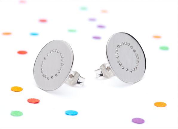 Les bijoux de Métal en bouche par Claudia Gravel seront en vente à la bijouterie du 19 mai au 16 août 2015.