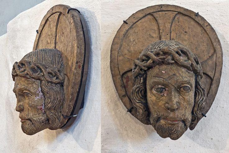 Aarreaitta. Keskusteluja. Artikkeli: Kristuksen kasvot keskiajan kuvahartaudessa.