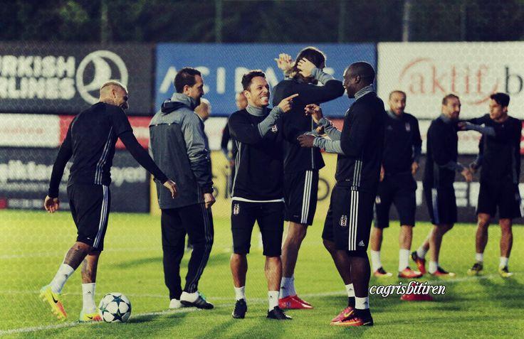 Beşiktaş'ım şıkır şıkır . Ricardo Quaresma Adriano Aboubakar instagram.com/cagrisbitiren