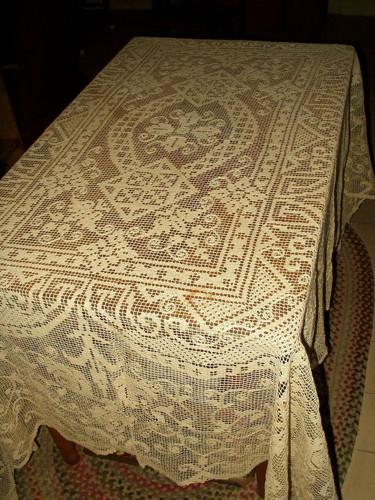 High Quality Vintage 1920 1930 Filet Darn Net Lace Lacis Buratto Tablecloth Flora Motif  $65.00   The Gatherings