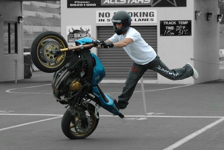 ITZMATTY the stunt rider... Eastern Creek