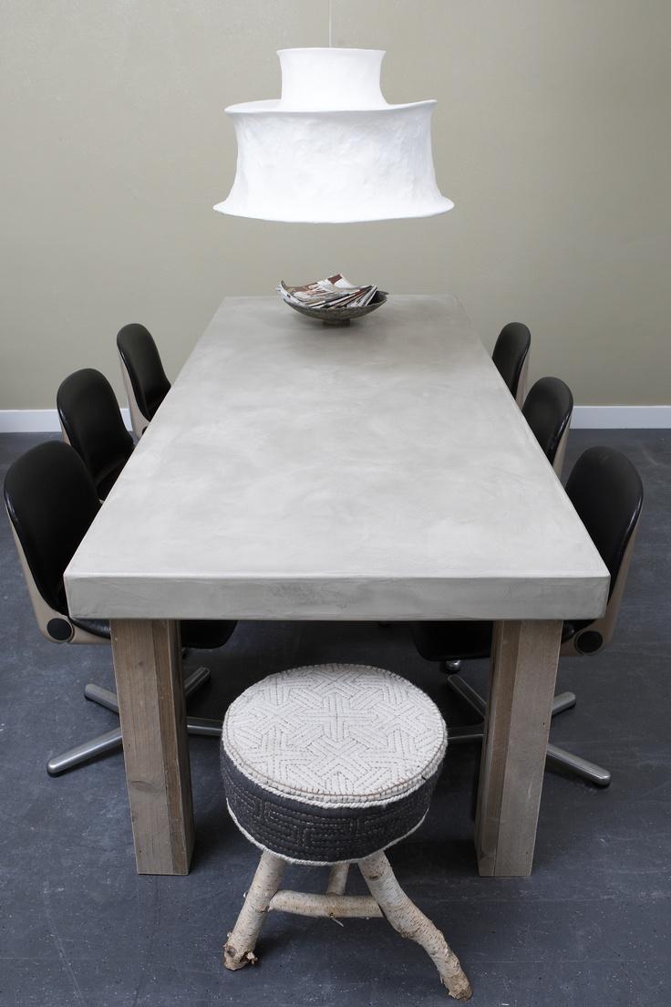 Unieke tafel van Betonlookdesign, ook voor buiten! www.betonlookdesign.nl