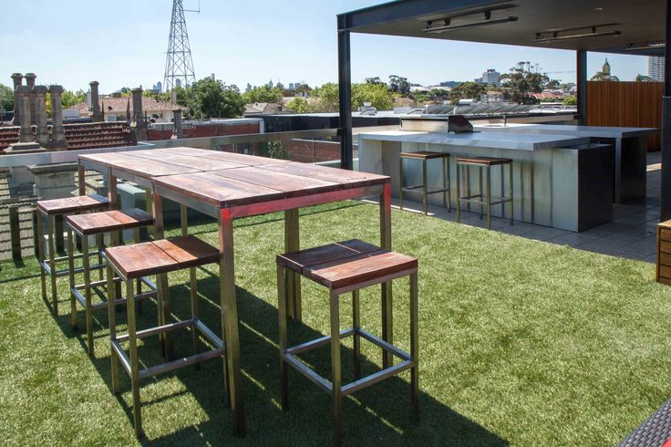 Rooftop terrace with teppanyaki bar in Melbourne's St Kilda offers some of the best views around! www.thekitchendesigncentre.com.au @thekitchen_designcentre
