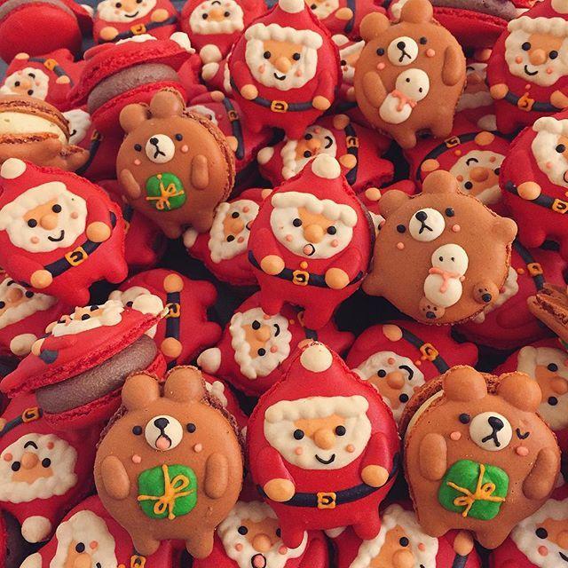 - 산타와 선물받은 곰돌이🎁🎅🏻 쇼콜라&몽블랑맛 마카롱..💕 - 12월10일-11일 (토,일 양일간) 일산 킨텍스 제2전시장에서 열리는 크리스마스마켓 메리냠냠전에 참가합니다🎅🏻🎄 크리스마스 컨셉 소품과 용품 그리고 달달한 디저트까지 ..💕 크리스마스 느낌 물씬 느낄수있는 크리스마스 마켓 메리 냠냠전으로 놀러오세요💝 - 🏡서울시 강동구 성내동 405-45번지 1층 바이재재  매장은 매주 목~토요일까지 오픈 (🌸매주 일,월,화,수 휴무입니다) 영업시간  am11:00~pm9:00  방문시 참고해주세요☺️ #마카롱#마카롱바#바이재재#macarons#다쿠아즈#냠냠전#메리냠냠전#크리스마스페어