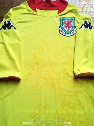 Relive Wales' 2007/2008 international season with this vintage Kappa away football shirt.