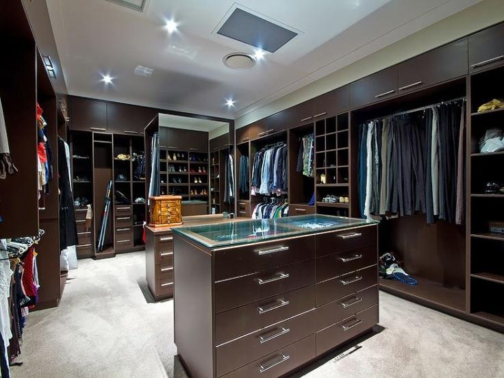 BMW Homes - Designer Walk-in-robe