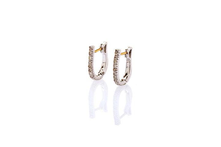 Composizione:orecchini in argento 925 con micropavè in diamanti