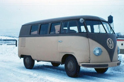 Type 2 Volkswagen Bus in the snow