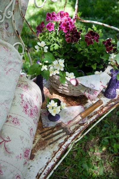 happy things: Cottages Style, Shabby Chic, Beautiful Linens, Gypsy Purple, Beautiful Gardens, Gardens Spots, Sweet Dreams, Gardens Benches, Cut Flower