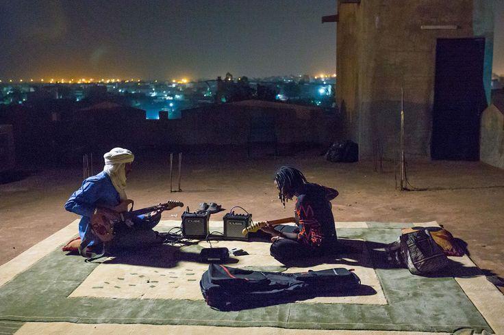 Traditionelle Musik hält schon seit Jahrhunderten die Gesellschaft Malis zusammen. Das Land gilt als die Wiege des Blues und Jazz, den westafrikanische Sklaven auf die Baumwollfelder Amerikas mitbrachten. © Konrad Waldmann, 2016