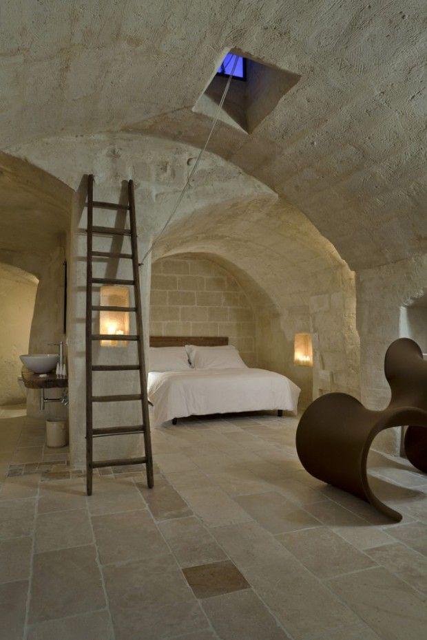 C'est dans le quartier de Sassi que l'on peut découvrir l'hôtel Corte San Pietro et son environnement de colonnes et de murs de pierres, vér...