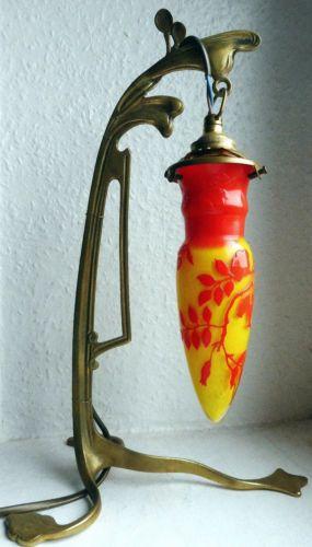 ANDRE-DELATTE-NANCY-LAMPE-BRONZE-PATE-DE-VERRE-GRAVE-a-L-039-ACIDE-ART-NOUVEAU-daum