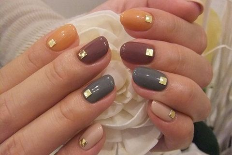 Fall nails: Autumn Nails, Nails Art, Nailart, Nails Design, Nailsart, Fall Nails Colors, Gold Accent, Neutral Nails, Gold Studs